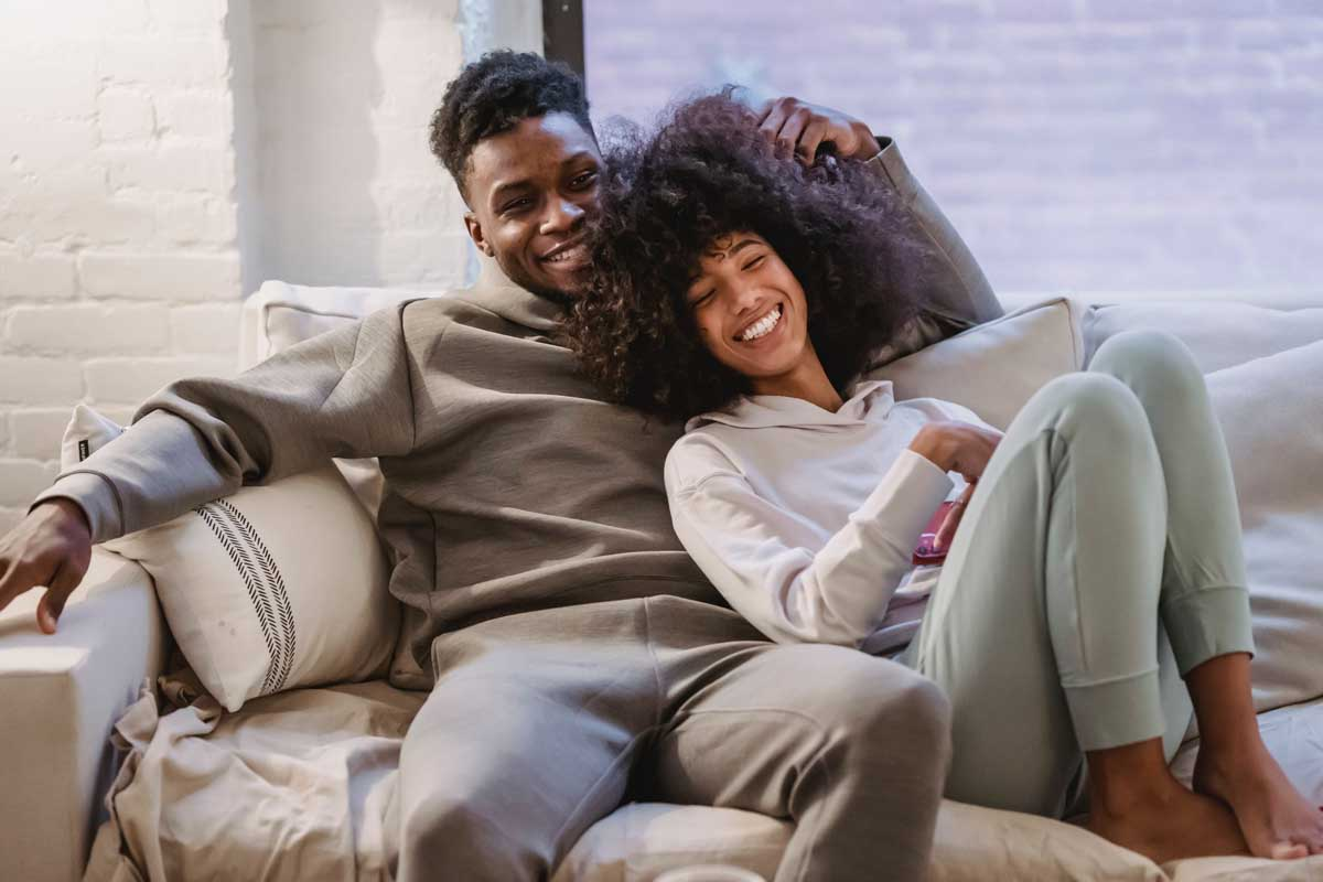 Early dating signs he likes you